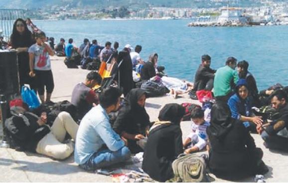 Πέτρος Βαφίνης: «Σιγά, μη βουλιάξουμε και τη βάρκα με τους πρόσφυγες»