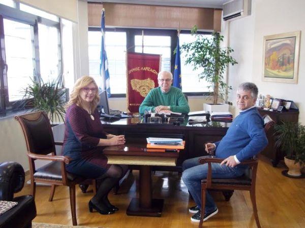 Συνάντηση Τζούλιας Τσαλίκη για την ηλεκτροκίνηση Λάρισας - Βόλου