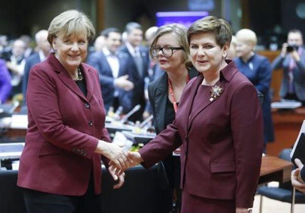 H πολωνή πρωθυπουργός πάει Βερολίνο επικρίνοντας την στάση στο προσφυγικό