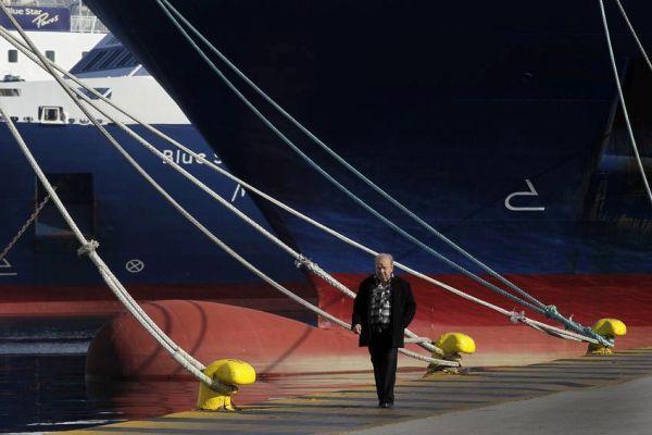 Μακριά από φορτοεκφορτώσεις οι εργαζόμενοι στο λιμάνι Βόλου