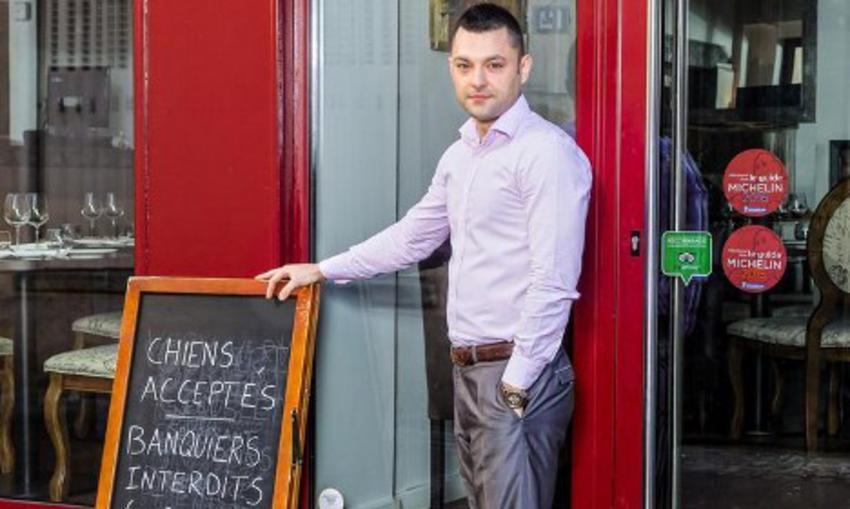 Γνωριμίες Ιδιοκτήτης Εστιατορίου