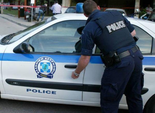 Σύλληψη για στέρηση ταξιδιωτικών εγγράφων