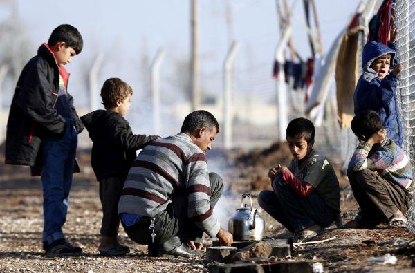 KKE: Ανθρώπινοι χώροι φιλοξενίας για πρόσφυγες και μετανάστες
