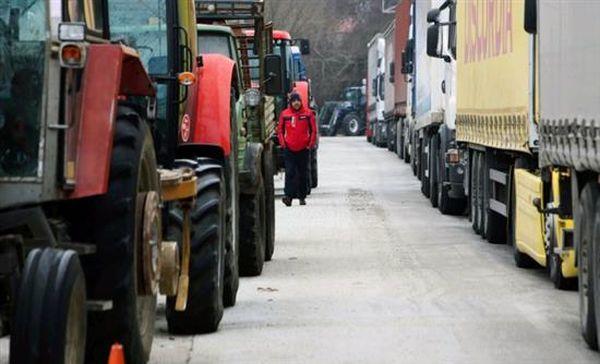 Τελωνείο Εξοχής: Επ' αόριστον αποκλεισμός για φορτηγά – νταλίκες