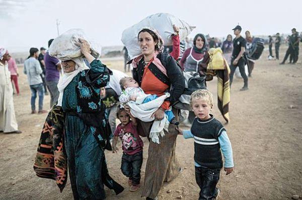 Σκιαθίτες κοντά στους πρόσφυγες