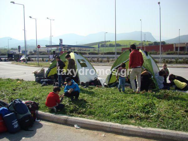 230 οι Σύριοι που παραμένουν εγκλωβισμένοι στο ΣΕΑ Αλμυρού