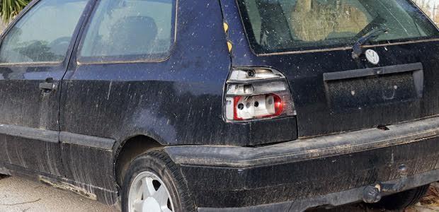 104 αυτοκίνητα προς απόσυρση σε δρόμους του Βόλου