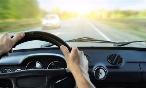 «Βουτιά» στα ασφάλιστρα αυτοκινήτων