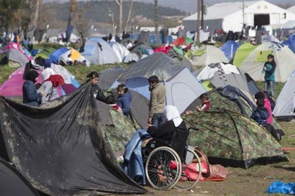 Ειδομένη: Με το σταγονόμετρο η διέλευση προσφύγων από τα σύνορα