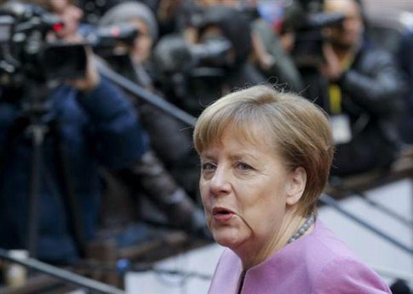 Ενεργότερο διεθνή ρόλο της Γερμανίας ζητά η Μέρκελ