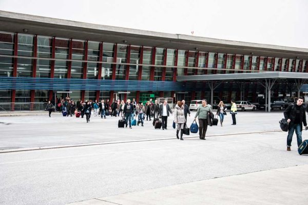Στηρίζει την ίδρυση του Οργανισμού για το αεροδρόμιο Νέας Αγχιάλου