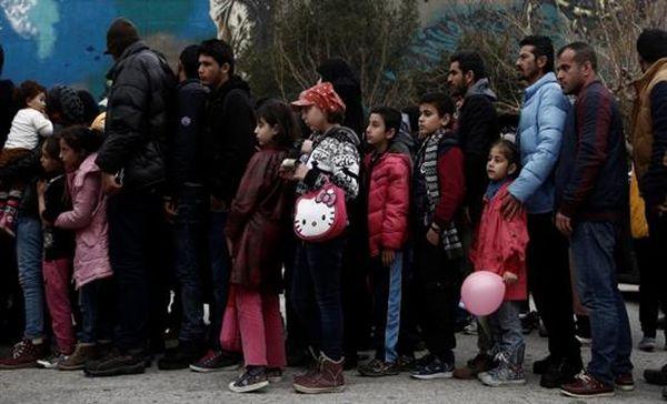 Εμπόριο ελπίδας στη Μυτιλήνη: «Ταρίφα» για Ειδομένη!