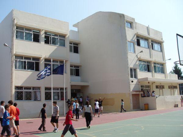 Ομάδες κρούσης στα σχολεία ~ Για την πρόληψη παραβατικών συμπεριφορών