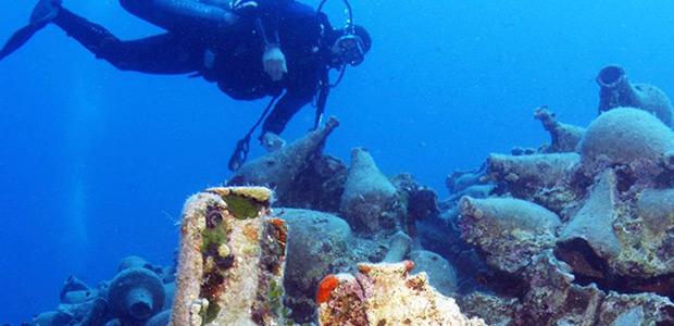 Στο ΥΠΠΟ για τα υποβρύχια μουσεία
