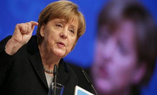 Το προσφυγικό «βούλιαξε» το κόμμα της Μέρκελ