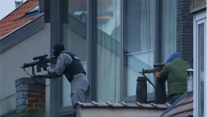 Ενας νεκρός από την έφοδο της αστυνομίας σε διαμέρισμα των Βρυξελλών