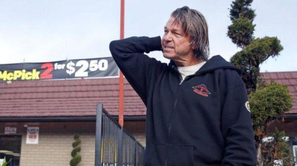 ΗΠΑ: 100.000$ σε άστεγο για πληροφορίες στην αστυνομία