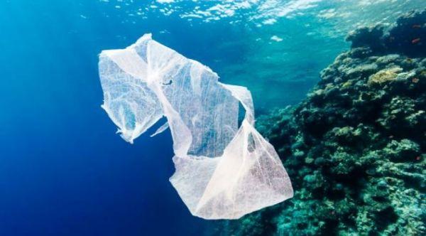 Δύο ακόμα νησιά καταργούν τις πλαστικές σακούλες