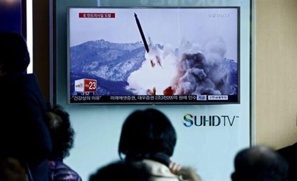 Νέα εκτόξευση πυραύλου από τη Βόρειο Κορέα ως «απάντηση» στις κυρώσεις