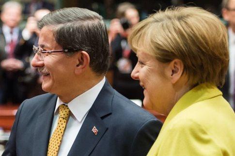 Έκλεισε με συμφωνία το αλισβερίσι ΕΕ-Τουρκίας για το Προσφυγικό