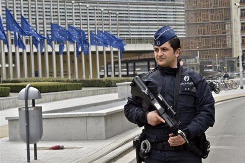 Βρυξέλλες: Υπάλληλοι της ΕΕ θα μπορούν να δουλέψουν από το σπίτι την Τετάρτη