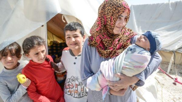 18χρονη πρόσφυγας από τη Συρία γέννησε χθες αγοράκι στη Λάρισα