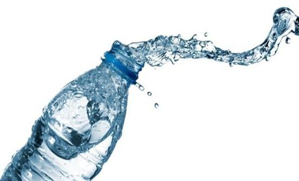 Μπουκάλια νερού από φύκη ως «πράσινη» εναλλακτική των πλαστικών