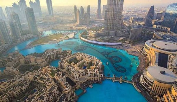 Το Ντουμπάι πρωί και βράδυ (βίντεο)