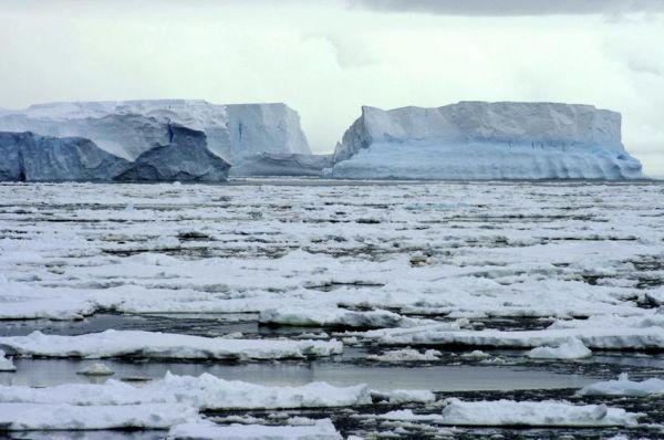 Με ραγδαίο ρυθμό λιώνουν οι Αρκτικοί πάγοι