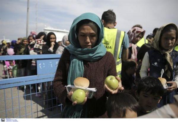 Θύματα παραπληροφόρησης οι πρόσφυγες στον Πειραιά