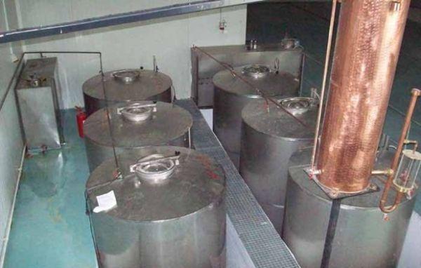Άλλοι 14 τόνοι λαθραίου τσίπουρου στον Τύρναβο