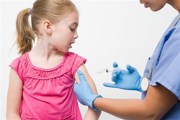 Σοβαρές ελλείψεις σε παιδιατρικά εμβόλια λόγω του νέου τρόπου παραγωγή