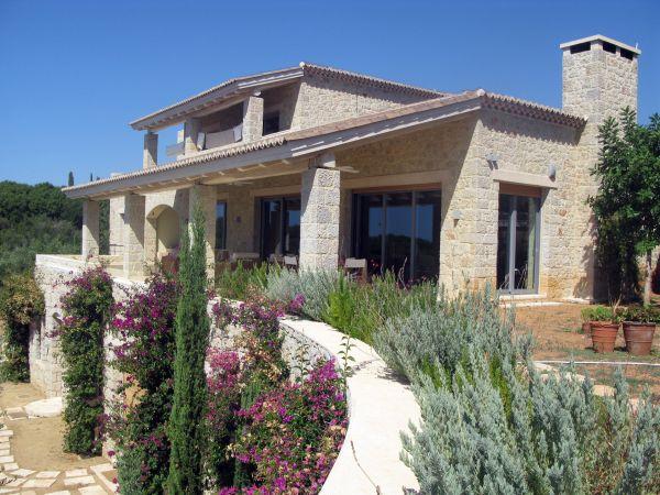 Ενδιαφέρον για την εξοχική κατοικία έφερε η αναπροσαρμογή των αντικειμενικών αξιών