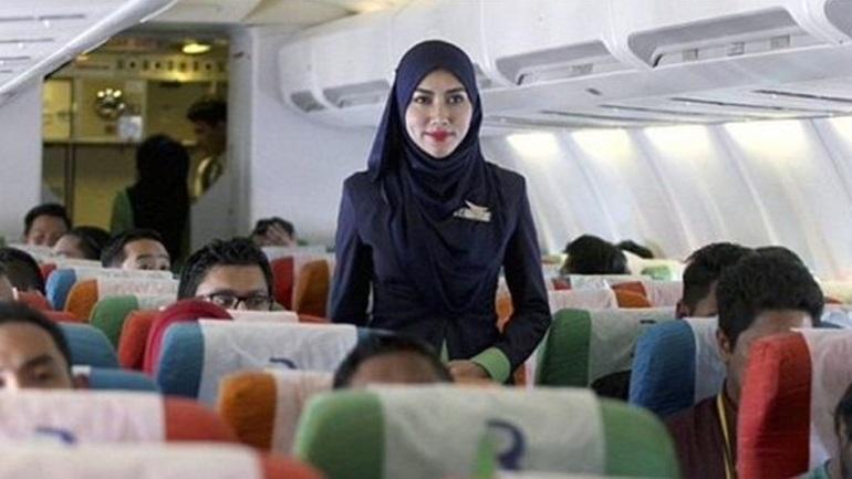 Aεροσυνοδοί της Air France αρνούνται να φορούν μαντίλα όταν θα προσγειώνονται στην Τεχεράνη