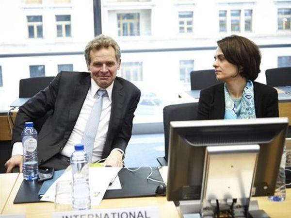 Στοιχείο αβεβαιότητας η διαρροή της συνομιλίας Τόμσεν-Βελκουλέσκου