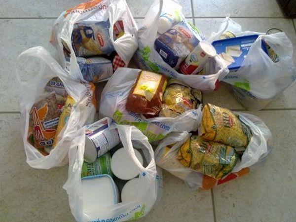 Τρόφιμα σε 1.182 οικογένειες ~ Aπό τη Μητρόπολη Δημητριάδος σε απόρους