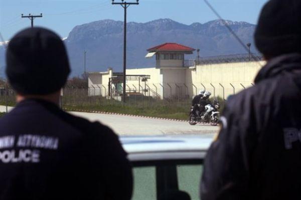 Η αποφυλάκιση ποινικών με καλάσνικοφ ανησυχεί την ΕΛ.ΑΣ