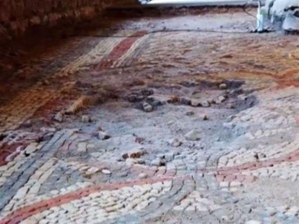 Βρετανός ανακάλυψε τυχαία μία ρωμαϊκή έπαυλη στην αυλή του