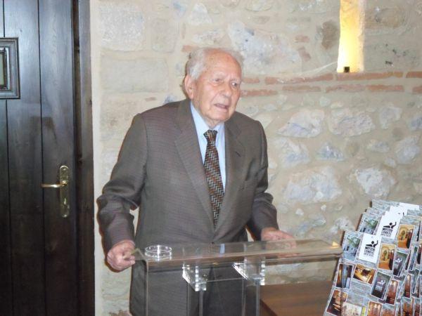 Τιμήθηκε από την ΕΣηεΘΣτΕΕ ο δημοσιογράφος 101 ετών