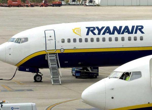 Οργή τoυριστικών πρακτόρων για τη Ryanair