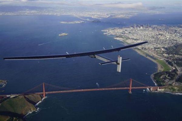 Ηλιακό αεροπλάνο διέσχισε για πρώτη φορά τον Ειρηνικό Ωκεανό