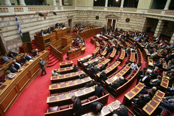 Βουλή: Απόσυρση του ασφαλιστικού ζητουν οι κοινωνικοί φορείς
