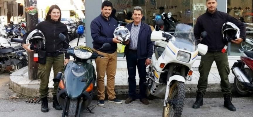 Τρίκαλα: Καινούργια κράνη στη Δημοτική Αστυνομία δωρεά Τρικαλινού επιχειρηματία