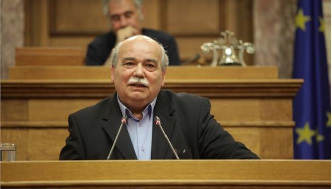 Βούτσης: Δεν θα κόψουμε τα πόδια μας αποδεχόμενοι τα προληπτικά μέτρα