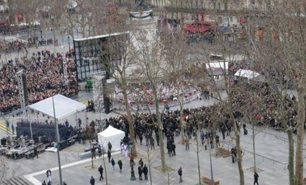 Είκοσι τέσσερις συλλήψεις για βιαιότητες στο Παρίσι