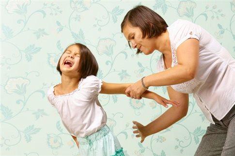 Μελέτη εξηγεί γιατί δεν πρέπει να δέρνετε τα παιδιά σας