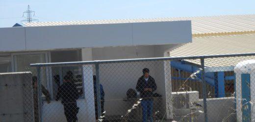 Απέκλεισαν την πύλη εισόδου και αρνούνται την σίτιση οι πρόσφυγες στον ΜΟΖΑ