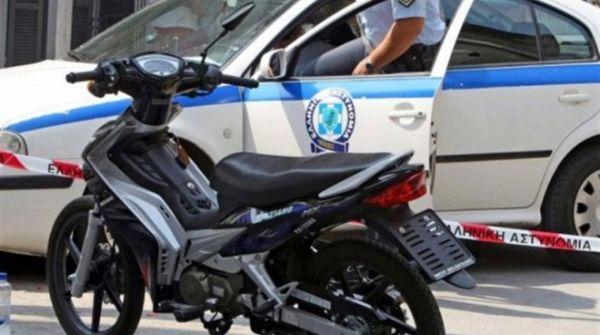 Δύο νεαρές έκλεψαν μοτοποδήλατο