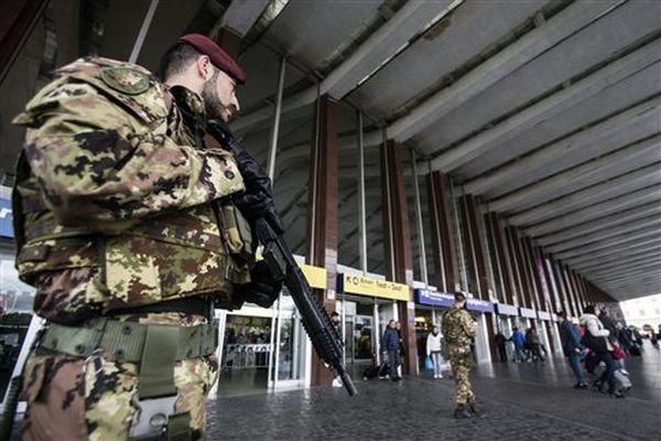 Υπό κράτηση στο Μπάρι δύο ύποπτοι για σχέδιο επίθεσης σε Ιταλία και Βρετανία