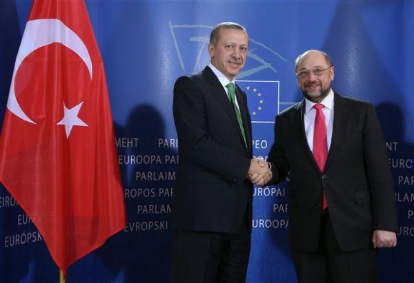 Σουλτς σε Ερντογάν για τη βίζα: Πρώτα οι όροι, μετά ψηφίζουμε